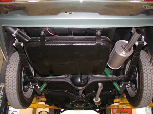 1966 FIAT GHIA 1500 COUPE rear underside on lift image